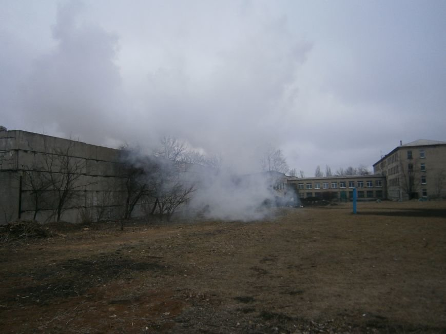 Сегодня «Гарант-Сервис» накрыл густым дымом м-н «Молодежный» в Димитрове (ФОТО+ВИДЕО) (фото) - фото 18