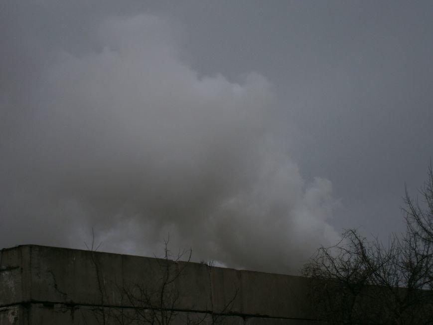 Сегодня «Гарант-Сервис» накрыл густым дымом м-н «Молодежный» в Димитрове (ФОТО+ВИДЕО) (фото) - фото 10