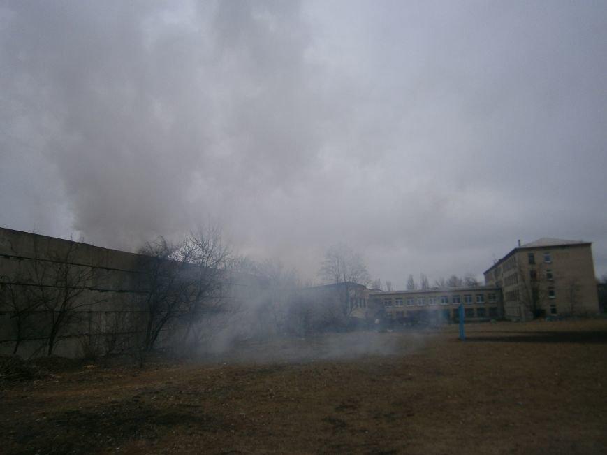 Сегодня «Гарант-Сервис» накрыл густым дымом м-н «Молодежный» в Димитрове (ФОТО+ВИДЕО) (фото) - фото 19