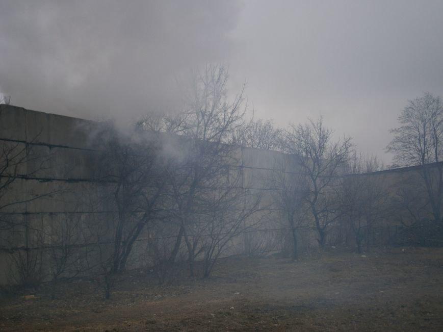 Сегодня «Гарант-Сервис» накрыл густым дымом м-н «Молодежный» в Димитрове (ФОТО+ВИДЕО) (фото) - фото 20