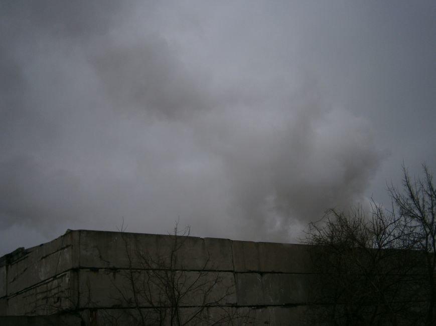Сегодня «Гарант-Сервис» накрыл густым дымом м-н «Молодежный» в Димитрове (ФОТО+ВИДЕО) (фото) - фото 11