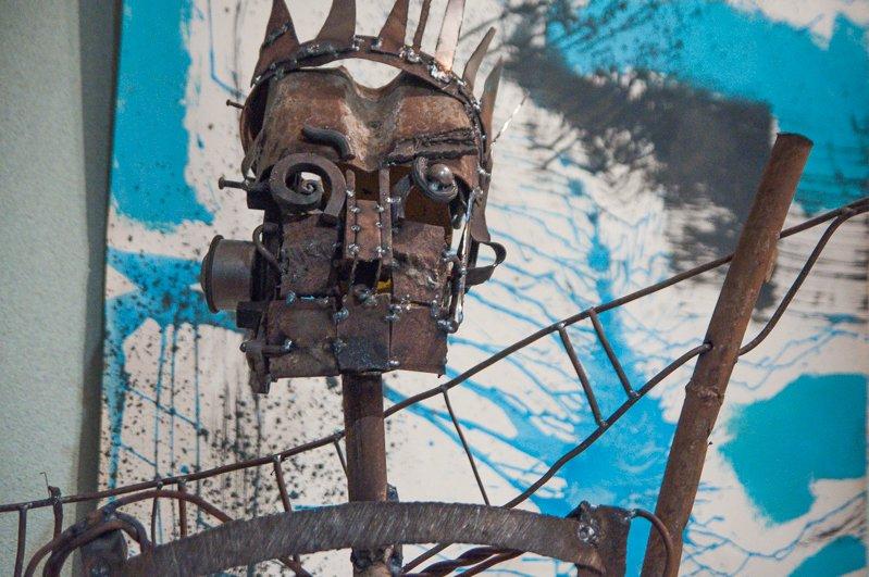 Тени металла. В Белгороде открылась выставка скульптур Сергея Дементьева «Конструкции внутри нас», фото-1