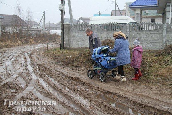 В гродненском частном секторе дороги превратились в болото (Фото) (фото) - фото 6