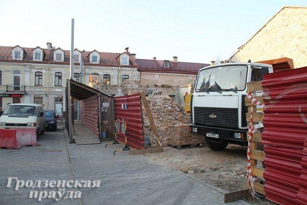 Полуразрушенное здание на ул. К.Маркса восстановят - появится сервисный центр и магазин (Фото) (фото) - фото 2
