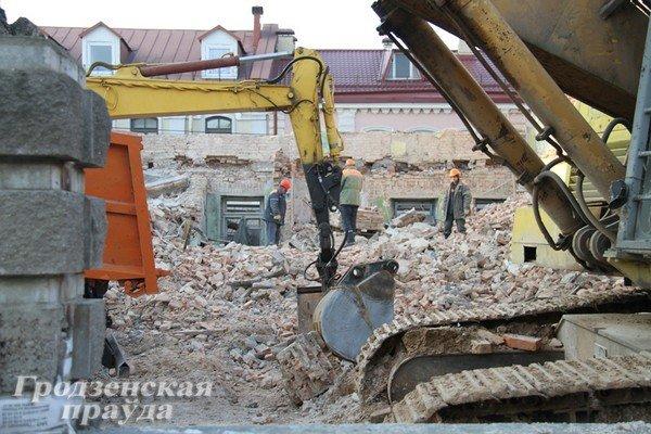 Полуразрушенное здание на ул. К.Маркса восстановят - появится сервисный центр и магазин (Фото) (фото) - фото 3