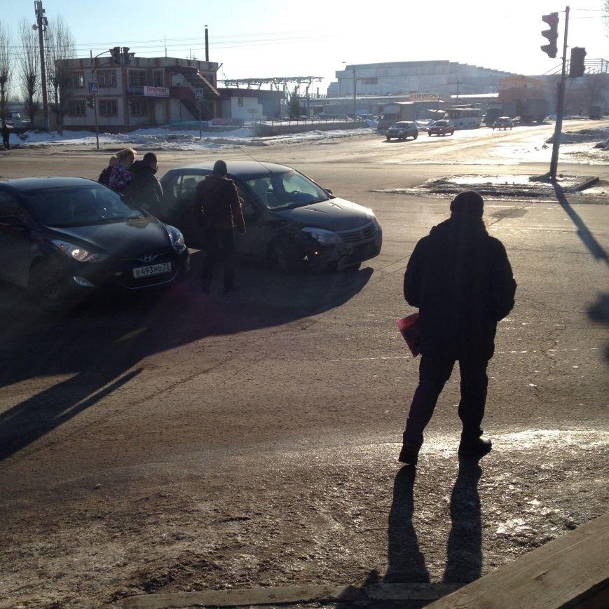 Утренняя авария на проспекте Филатова (фото) - фото 4