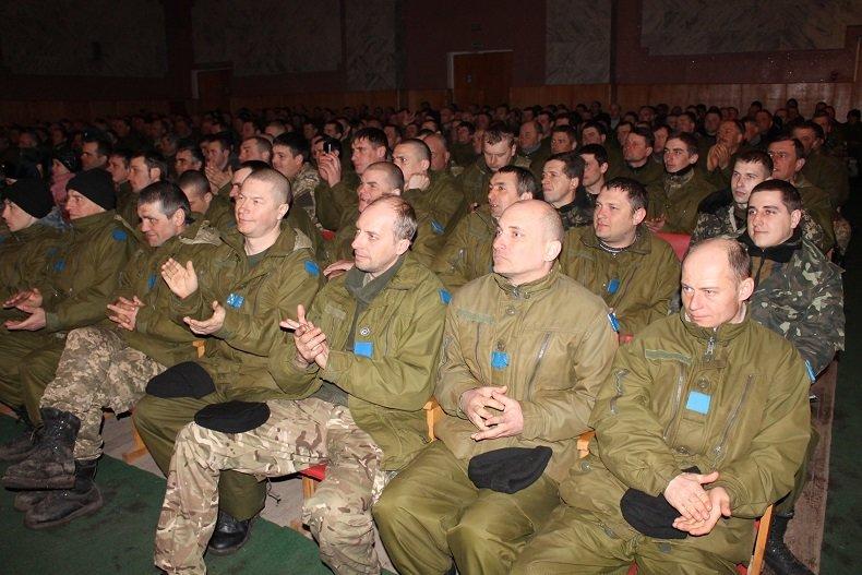Ансамбль песни и танца ВС Украины поднимал боевой дух николаевских мобилизованных (ФОТО) (фото) - фото 2