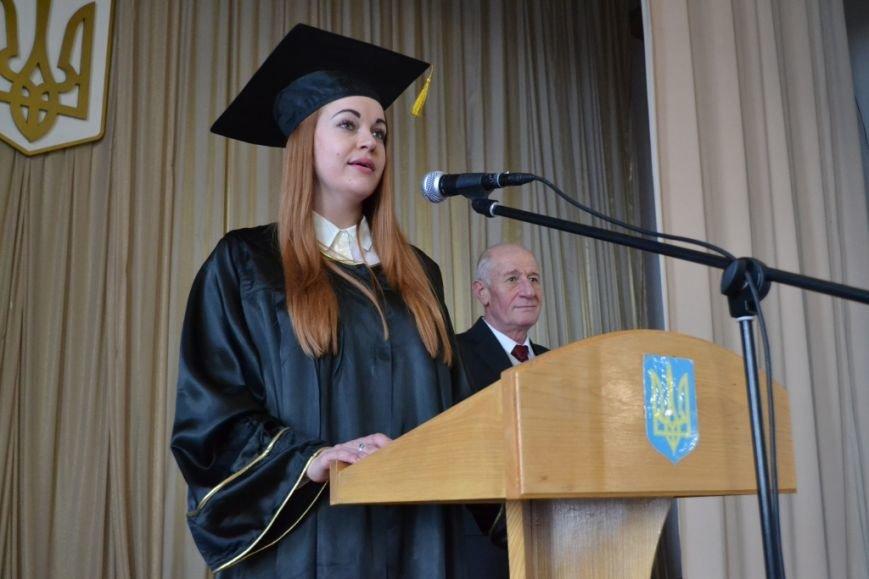 Дипломы магистров получили 300 выпусников академии госуправления в Днепропетровске, фото-2