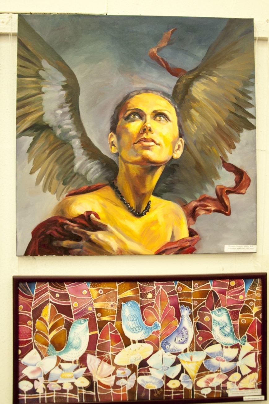 ФОТОРЕПОРТАЖ: В Запорожье художественную выставку посвятили птице – как символу Украины, фото-3