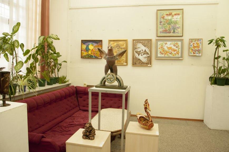 ФОТОРЕПОРТАЖ: В Запорожье художественную выставку посвятили птице – как символу Украины, фото-1