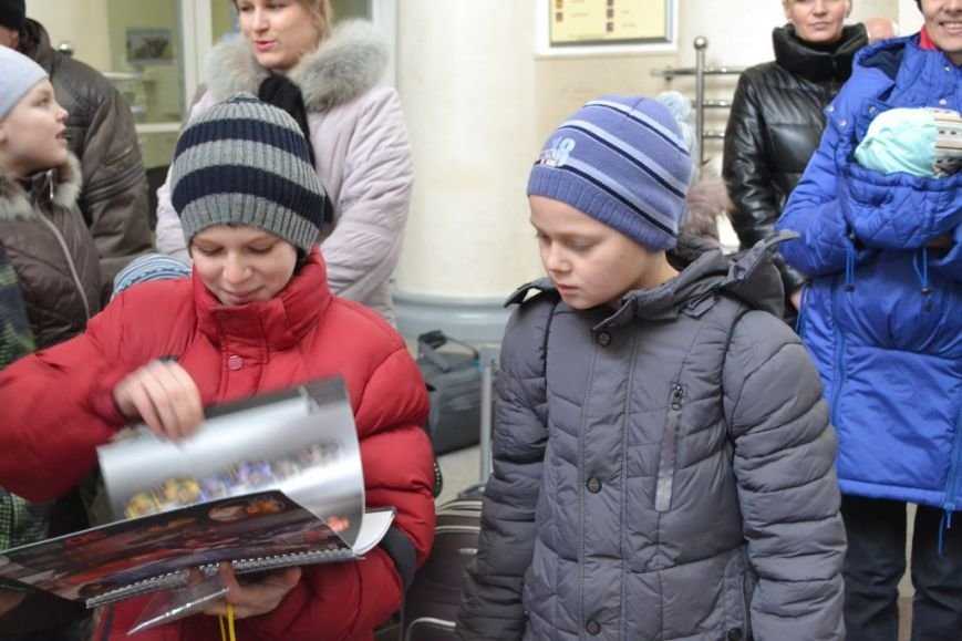 Десять детей из зоны АТО отправились из Днепропетровска в Польшу, фото-2