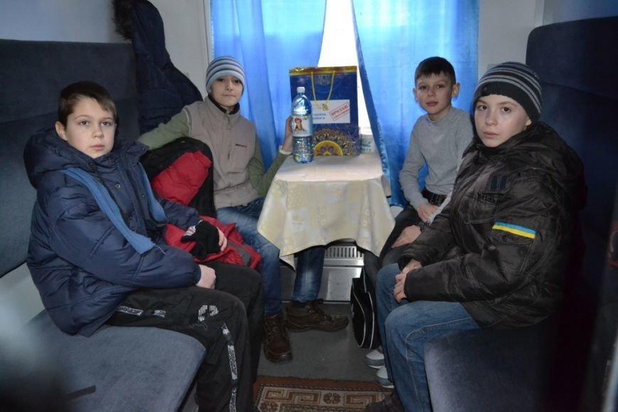 Десять детей из зоны АТО отправились из Днепропетровска в Польшу, фото-3