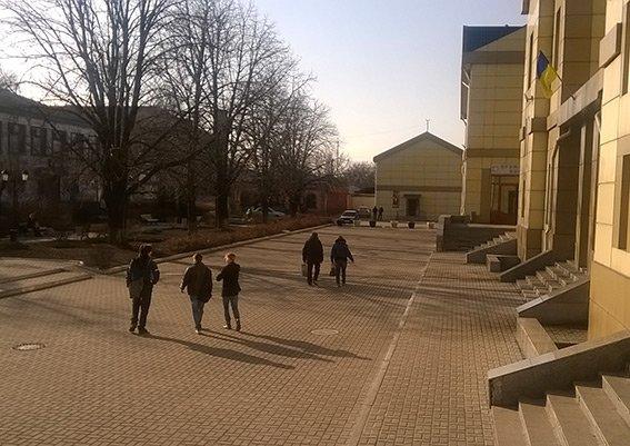 На станции Красноармейск фильтрационная группа проводит проверку подозрительных людей и предметов (фото) - фото 7