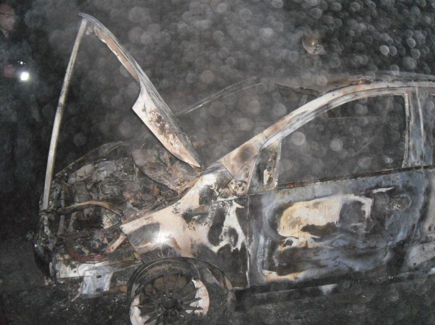 В Днепродзержинске сгорели сарай и автомобиль, фото-2