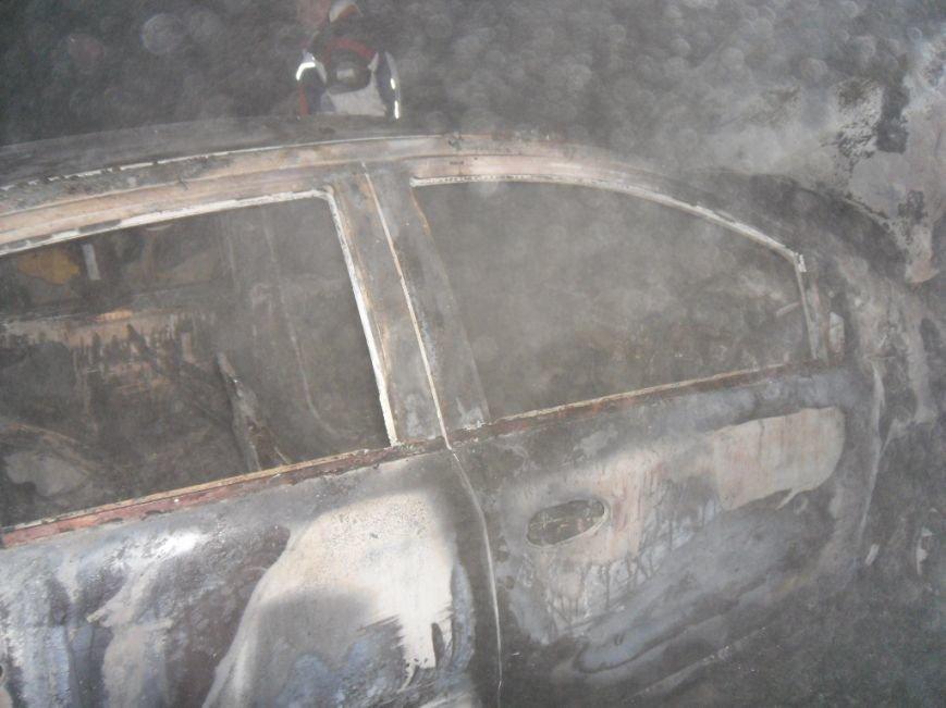 В Днепродзержинске сгорели сарай и автомобиль, фото-3