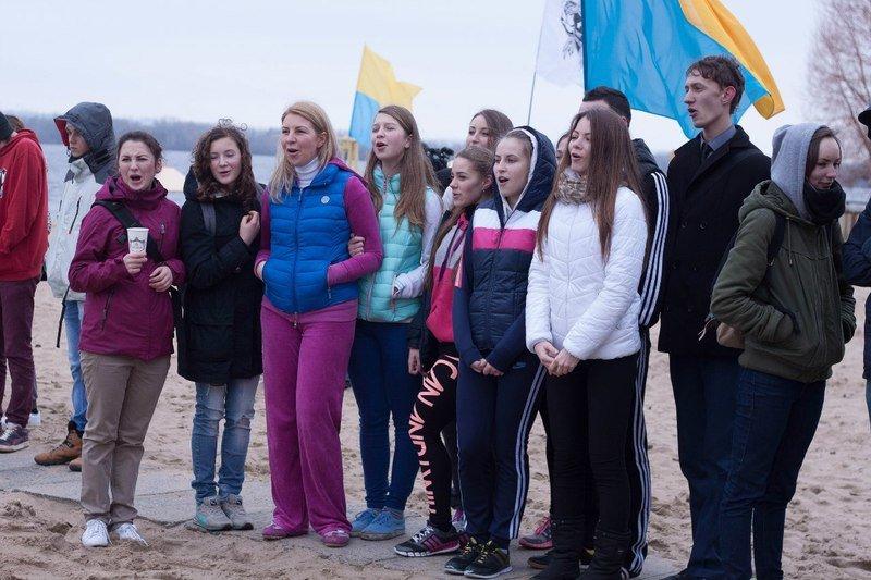 Около сотни студентов Днепропетровщины участвовали в акции «День здорового образа жизни» (фото) - фото 3