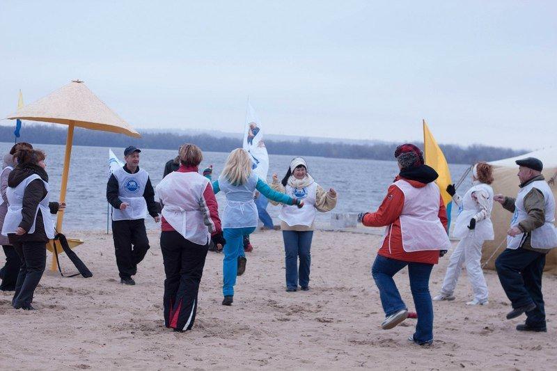Около сотни студентов Днепропетровщины участвовали в акции «День здорового образа жизни» (фото) - фото 1