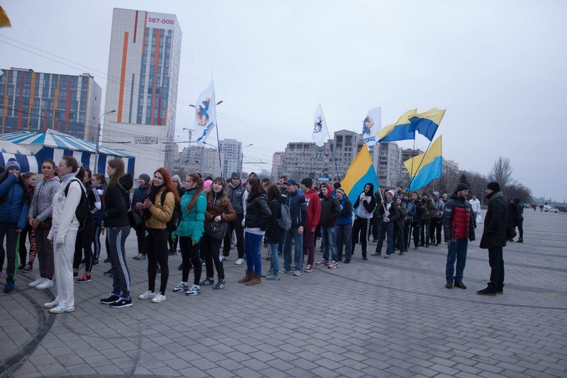 Около сотни студентов Днепропетровщины участвовали в акции «День здорового образа жизни» (фото) - фото 2