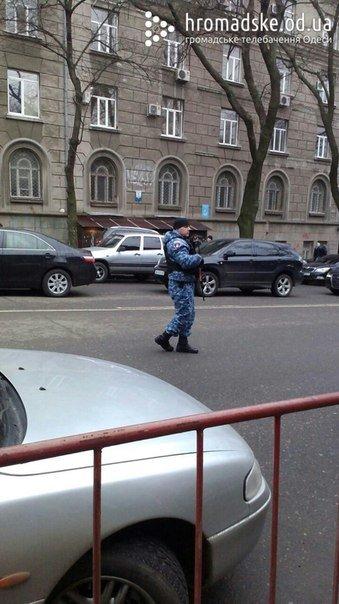 В центре Одессы перекрыли улицу из-за подозрительного пакета (ФОТО) (фото) - фото 1