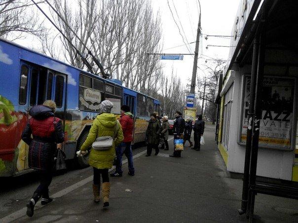 В Николаеве начался транспортный коллапс: маршрутчики требуют повысить цену на проезд до 5 гривен (ФОТО) (фото) - фото 1