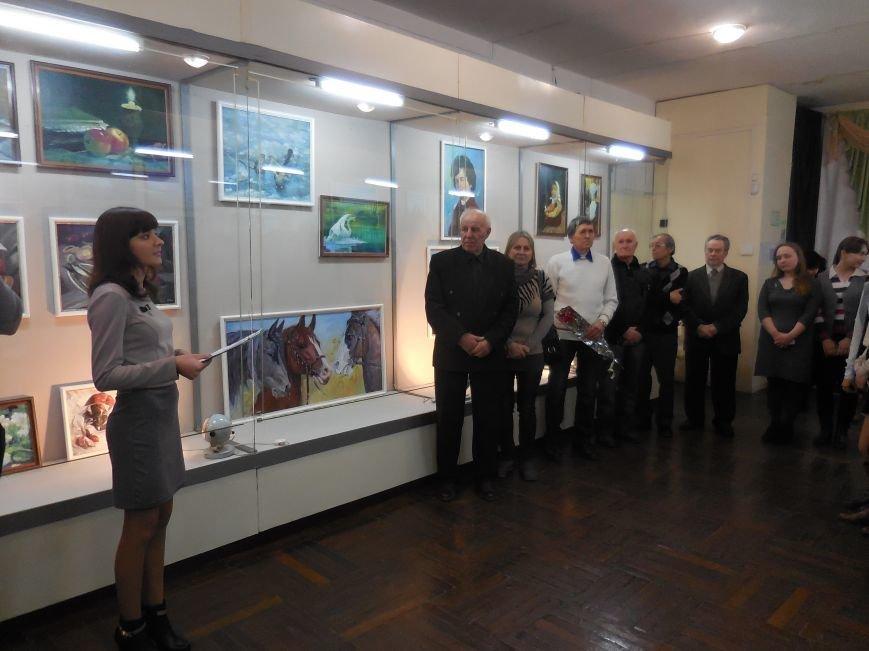 В Красноармейске открылась выставка худажника Валерия Жадана (фото) - фото 1