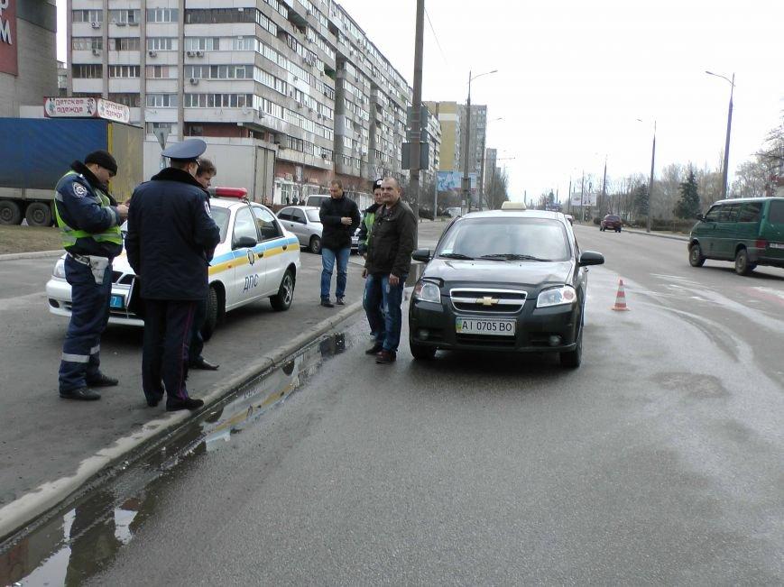 В Днепропетровске в результате ДТП пострадал пешеход (фото) - фото 2