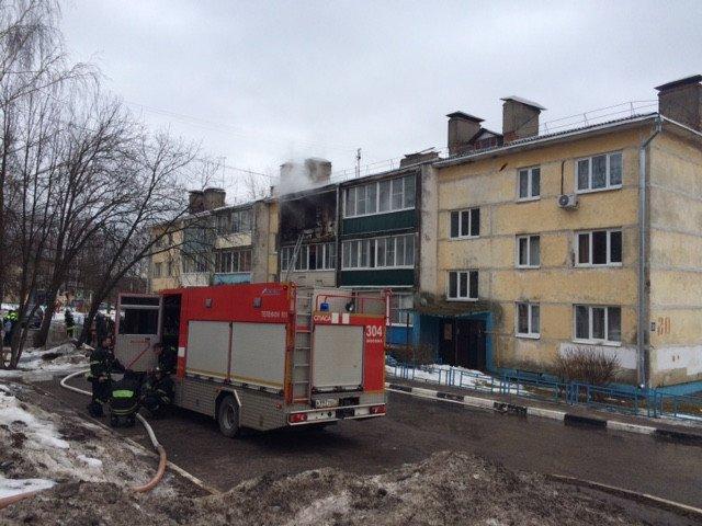 В поселке Щапово произошел взрыв в многоквартирном жилом доме (фото) - фото 1