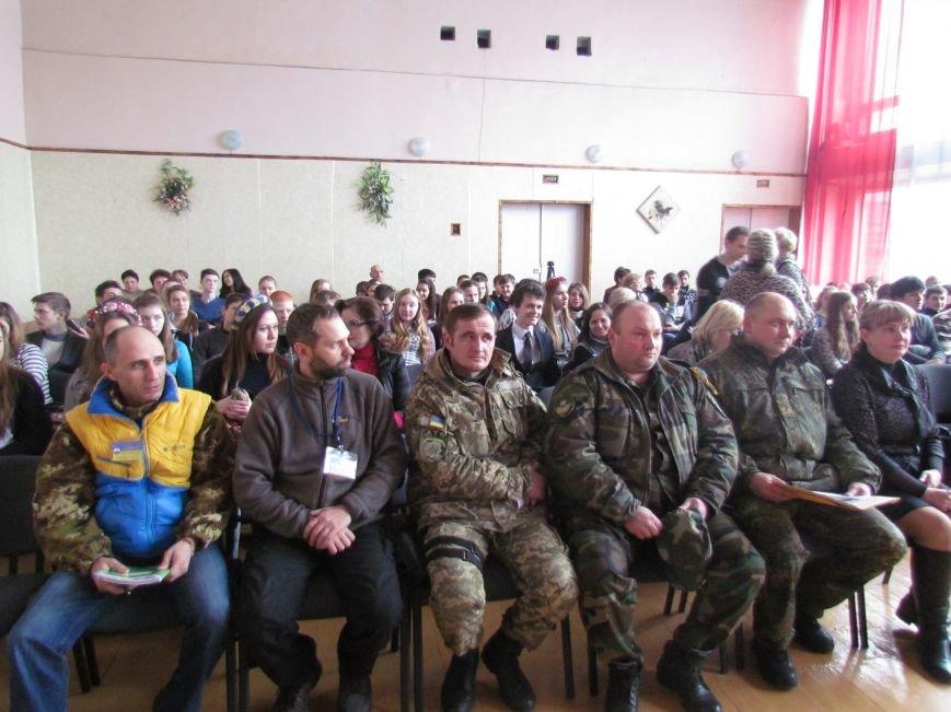 Львовские милиционеры и мариупольские волонтеры общались с детьми (ФОТО), фото-1