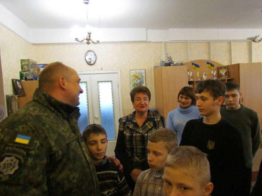 Львовские милиционеры и мариупольские волонтеры общались с детьми (ФОТО), фото-15