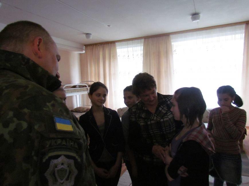 Львовские милиционеры и мариупольские волонтеры общались с детьми (ФОТО), фото-16
