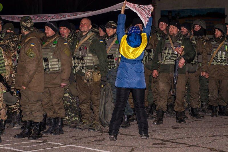 Запорожцы признавались в любви бойцам Национальной гвардии (ФОТО) (фото) - фото 3