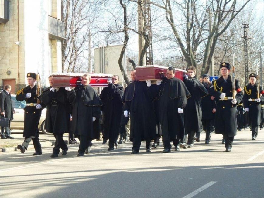 В Одессе простились с погибшими под Мариуполем морпехами (ФОТО), фото-1