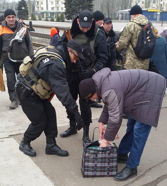 На станции Краматорск милицией проведена профилактическая отработка (ФОТО) (фото) - фото 3