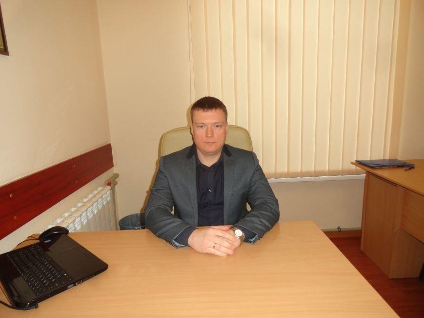 Объявлен в розыск  бывший исполняющий обязанности начальника Мариупольского ГУ ГУМВД Украины в Донецкой области (ФОТО+ВИДЕО) (фото) - фото 1