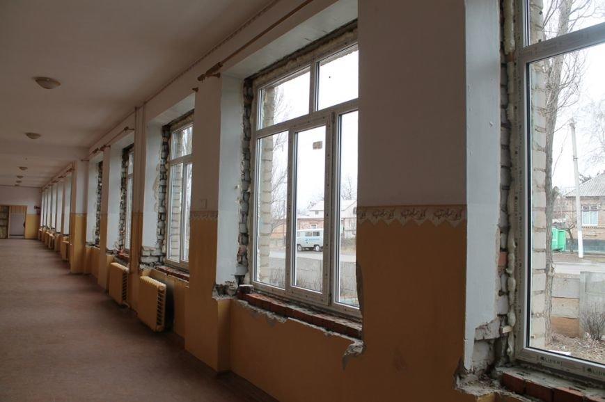 В Артемовской школе №4, пострадавшей от обстрела 13 февраля, завершаются восстановительные работы, фото-2