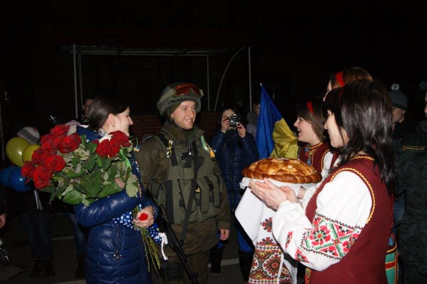 Трогательное возвращение: Одесских нацгвардейцев дома ждал сюрприз (ФОТОРЕПОРТАЖ) (фото) - фото 1