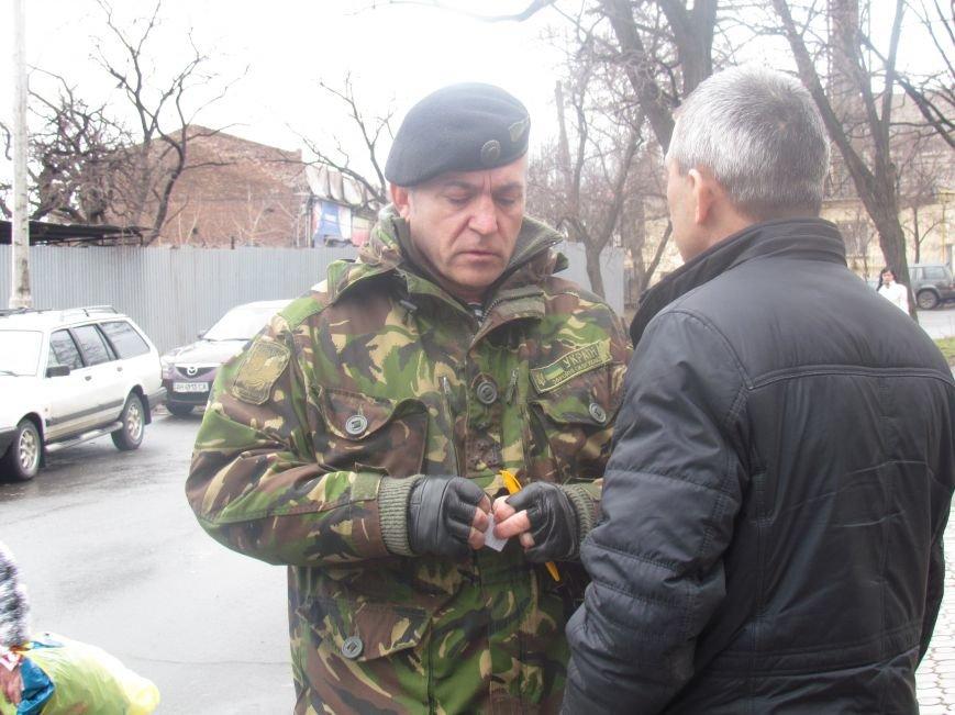 В Мариуполе офицера, спасавшего бойцов под Иловайском, обвинили в незаконном ношении оружия (ДОПОЛНЕНО), фото-9