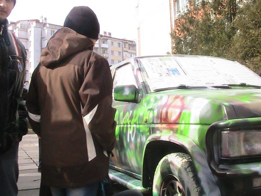 На Львівщині діти подарували десантникам автомобіль на прізвисько «Котигорошко», фото-1