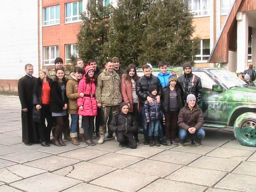На Львівщині діти подарували десантникам автомобіль на прізвисько «Котигорошко», фото-6
