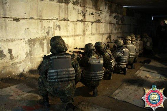 В Мариуполе милиция совершетсвует огневую подготовку (ФОТО) (фото) - фото 1
