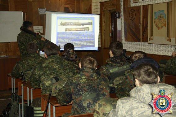 В Мариуполе милиция совершетсвует огневую подготовку (ФОТО) (фото) - фото 2
