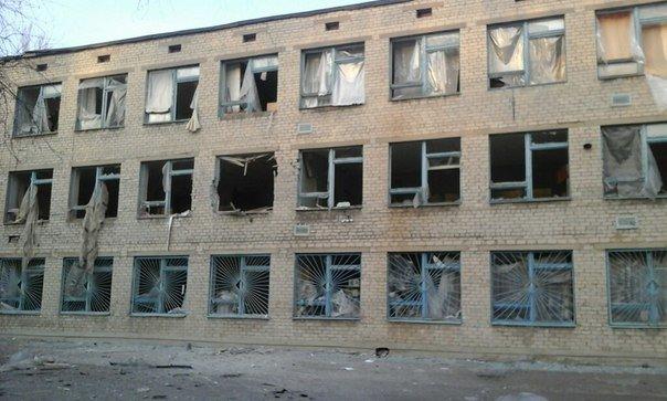 Теперь Авдеевку обстреливают по ночам (фото) (фото) - фото 1