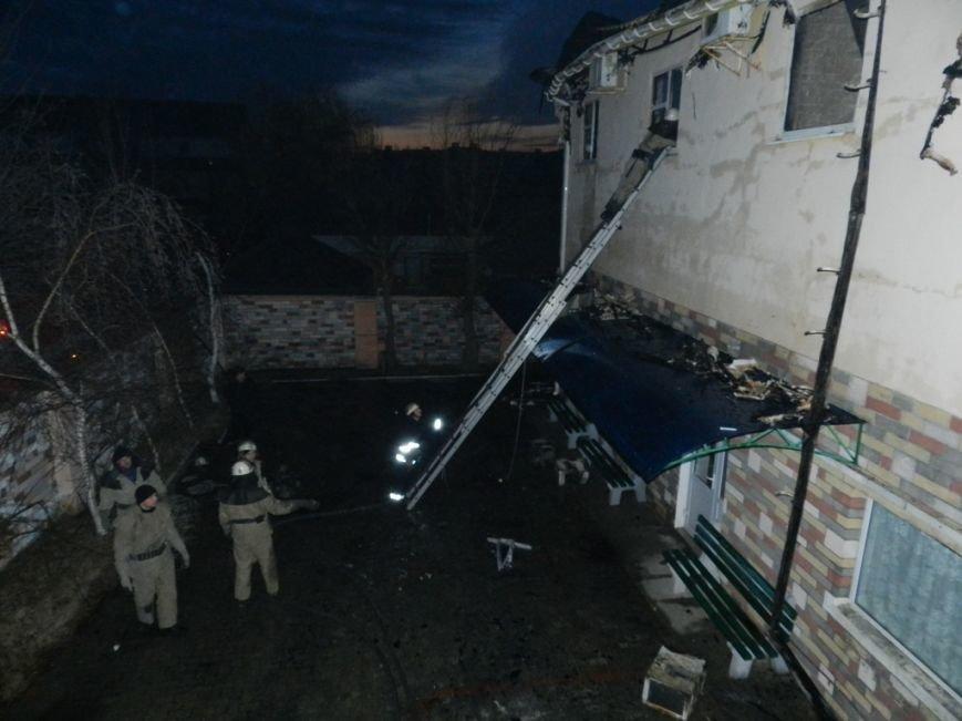В Железном Порту Голопристанского района пожарные спасали жилое здание (фото) - фото 1