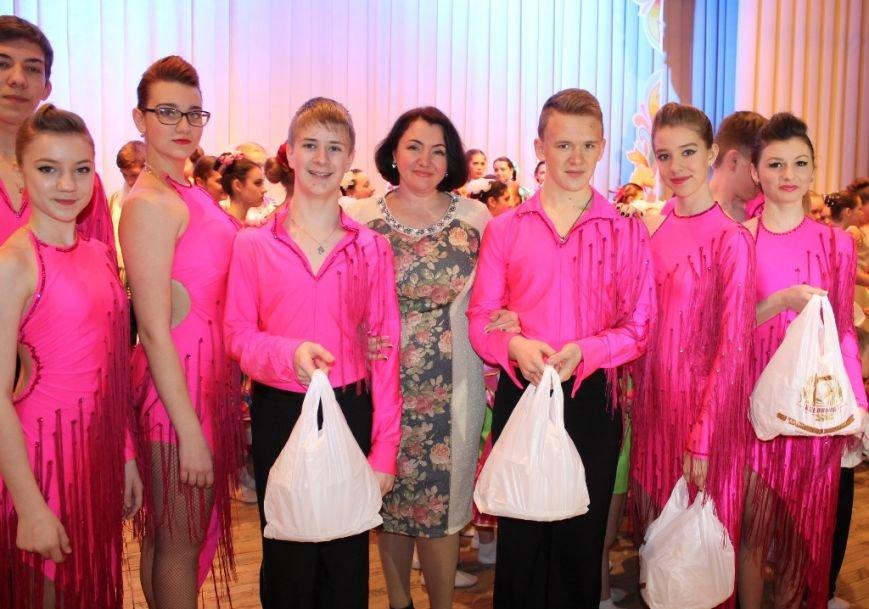 Творческую молодежь Артемовска поощрили сладкими призами, фото-4