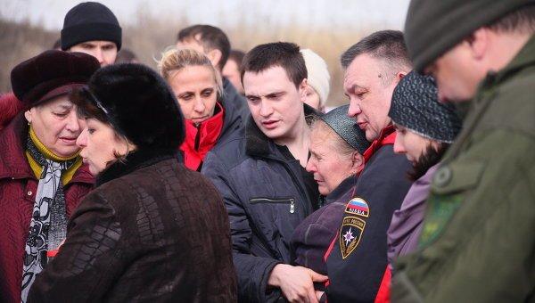В Донецке прошли похороны погибших горняков (фото) - фото 1