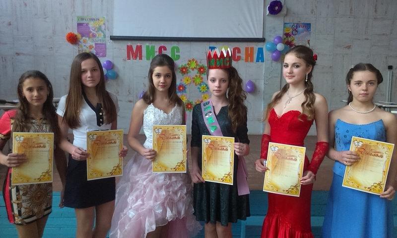 Енакиевские школьники поздравили мам и бабушек, фото-4