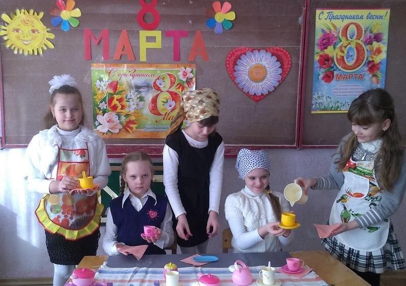 Енакиевские школьники поздравили мам и бабушек, фото-5