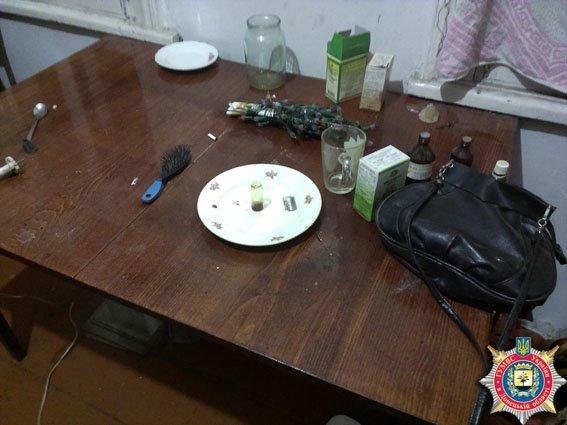 Жительница Красноармейска устроила дома наркопритон (ФОТО) (фото) - фото 3