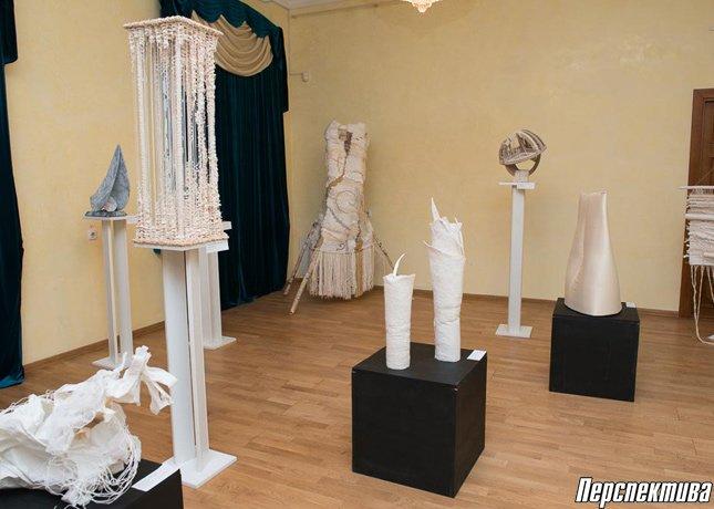 В музее истории религии открылись две выставки экспериментального текстиля (фото) - фото 1