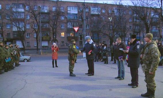 До 8-го березня бійці загону черкаської міліції подарували своїм жінкам найцінніший подарунок - повернулися додому(ФОТО, ВІДЕО) (фото) - фото 1